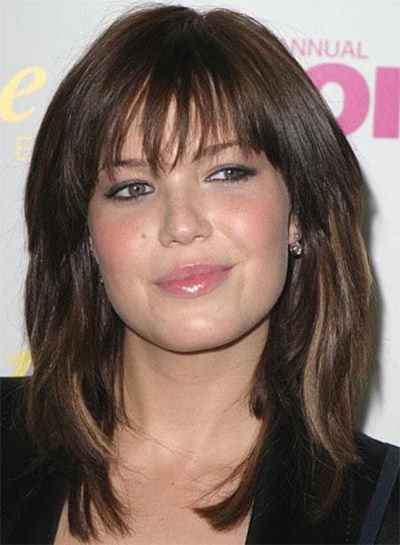 Medium Haircut Round Face Thick Hair 2018 Popular Long Hairstyles