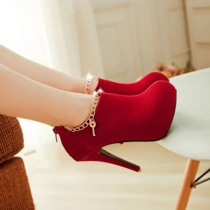 High Heels for Tiny Girls - lovely red Booties