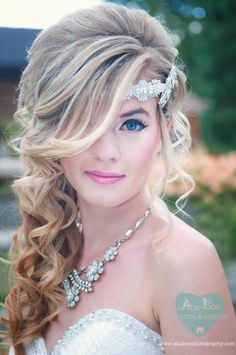 Western pretty white dress bride - bridal make up tip