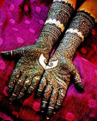 Stylish Heavy Mehendi Designs for hands for this Eid