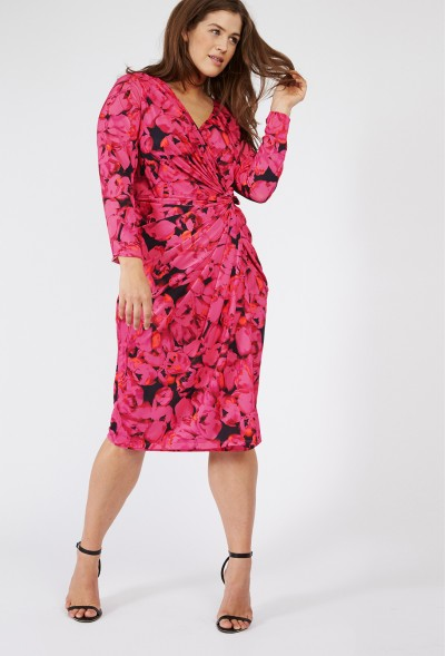 Plus-size designer clothing internet shopping directories at Elegant Plus offer a range of designer fashion from plus-exclusive, small design houses to upscale designer .