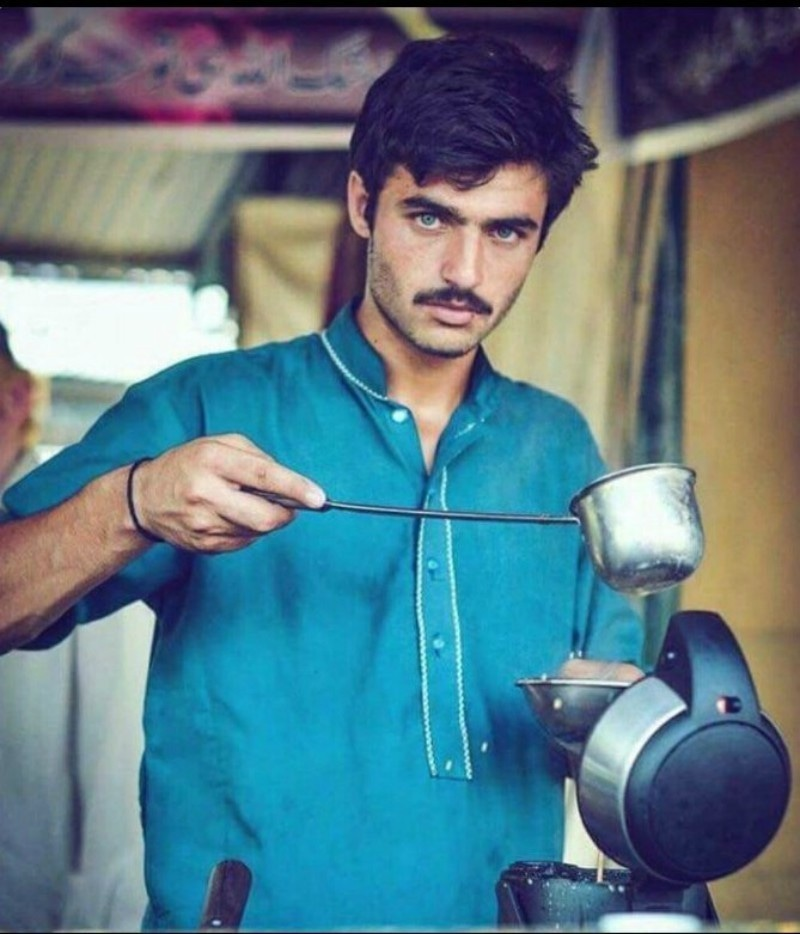 Interent sensation this handsome Chaiwalwa from Islamabad