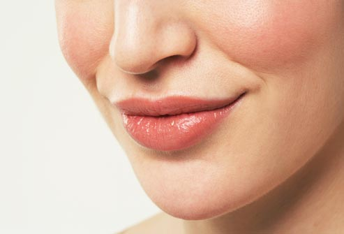 GET ATTRACTIVE LIPS NATURALLY.