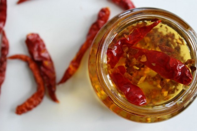 chilis oil for attractive lips