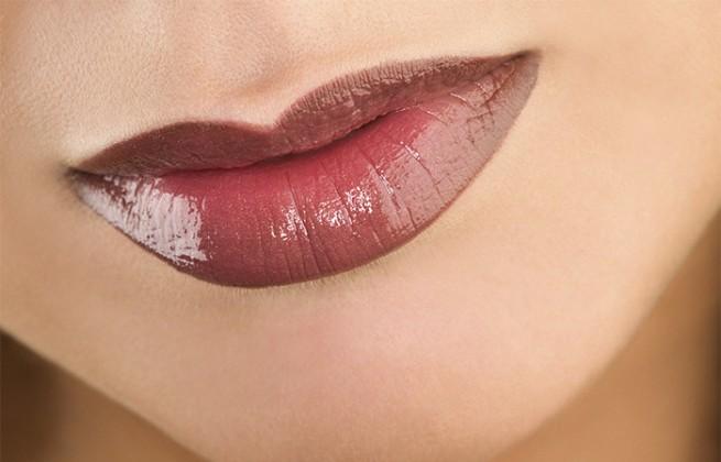 purple lipstick for attractive lips
