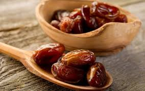 why you should break your fast with dates