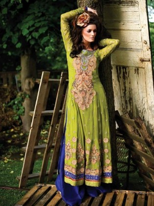 latest pakistani fashion trends - Long kameez with Izaar