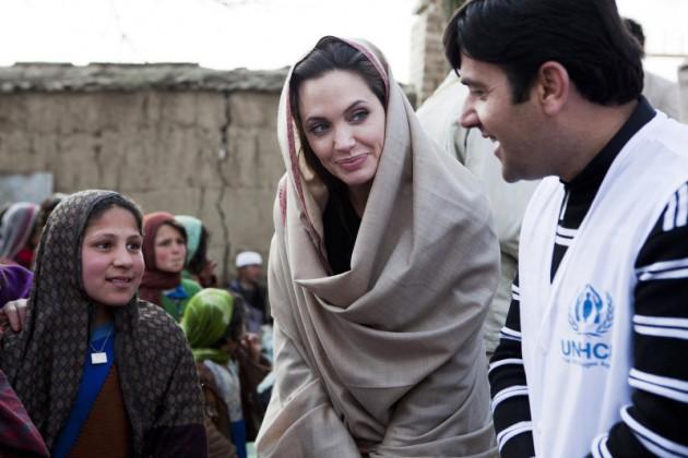 angelina jolie wearing shalwar kameez - salwar kameez with shawal