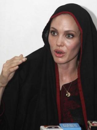 angelina jolie wearing black shalwar kameez - salwar kameez