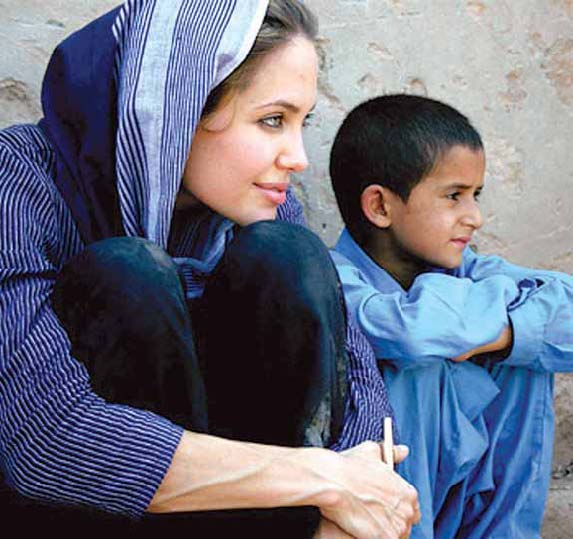 angelina jolie wearing shalwar kameez - blue salwar kameez with childerns