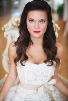 Western pretty white dress bride - bridal makeup tip