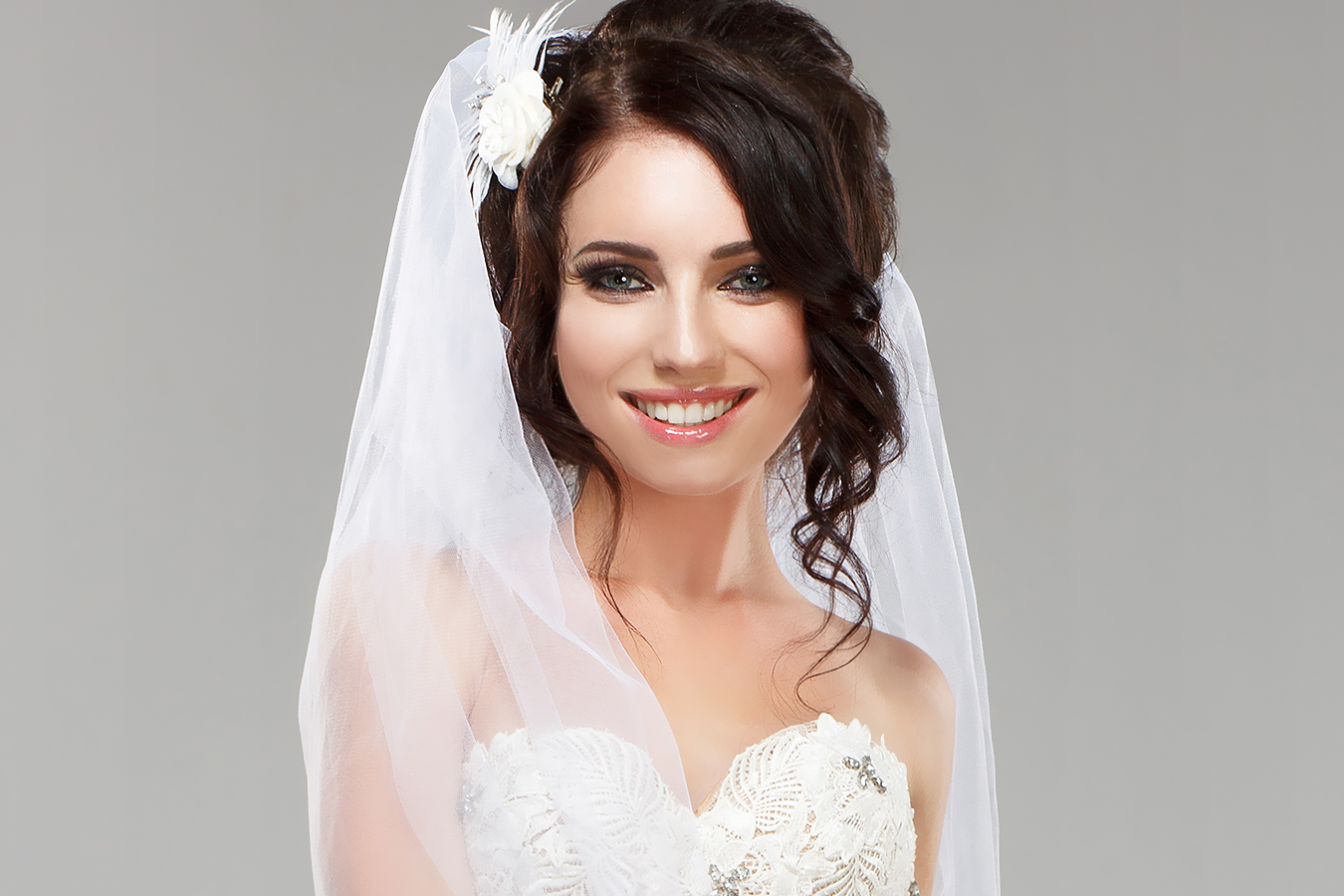 Bridal makeup tips for eastern and western brides for Virtual try on wedding dress