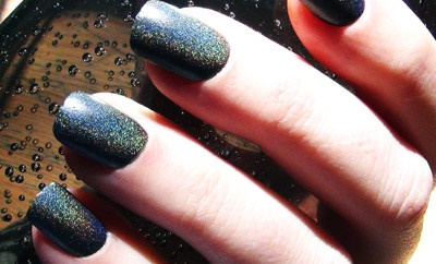 Express your beauty through black nail art 001