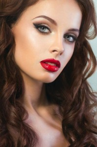 red lips hot look