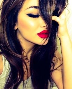 red lips gorgeous lady