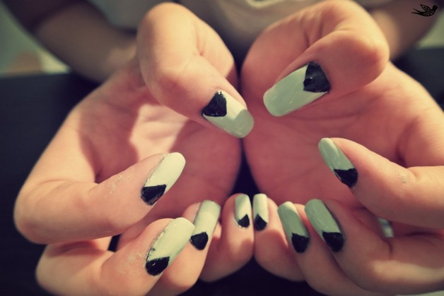 Trendy Triangles Achieve best nail art