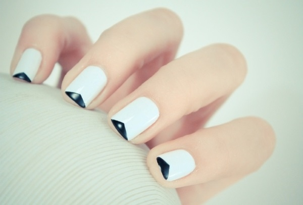 Trendy Triangles - Achieve best nail art