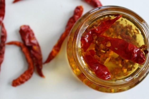 chilis oil for attractive lips