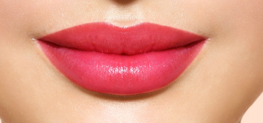 glossy attractive lips - MAKEUP: Tips and tricks for beautiful lips